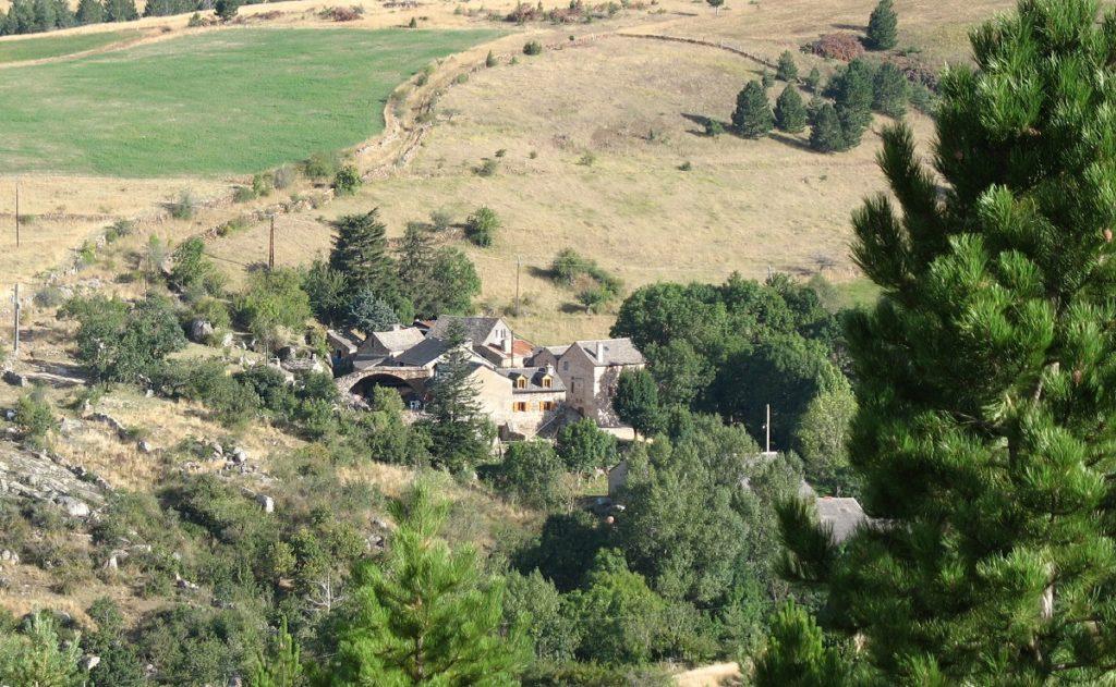Vue d'ensemble du hameau des Combettes